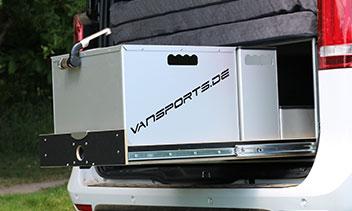 Küchenbox für den Kofferraum einer V-Klasse mit Waschbecken